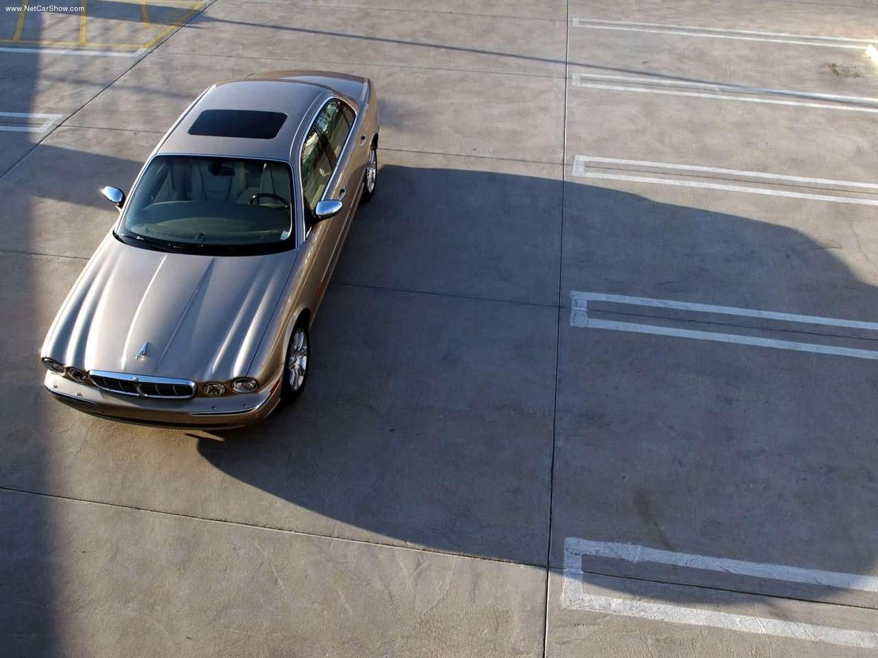 http://2.bp.blogspot.com/-rfwJqUJSKaM/TZ8w64F11tI/AAAAAAAACyU/eZiIzxTzw6I/s1600/Jaguar-XJ8_Vanden_Plas_2004_1280x960_wallpaper_03.jpg