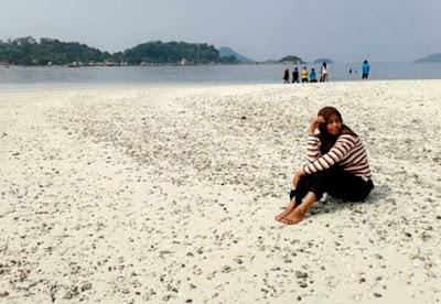 pantai mutun dan pulau tangkil lampung