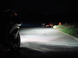 sepeda motor pakai lampu HID, lebih terang aman buat perjalanan malam