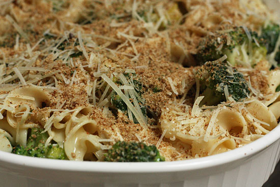 Nine Kids and a Dog: Chicken and Noodle Broccoli Bake from Skinnytaste ...
