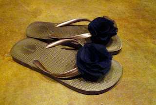 crafts for summer: accessorize your flip flops tutorial