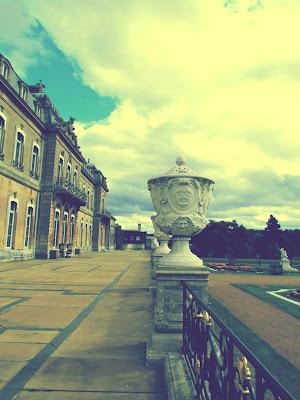 Wrest Park, building, urn, gardens, English Heritage, visit