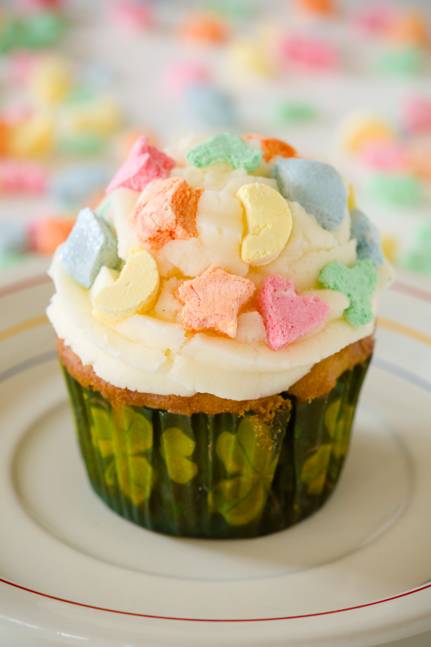 Lucky Charms Cupcakes for St. Patrick's Day   Cupcake Project
