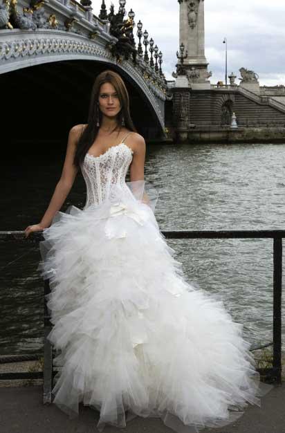 Robes de mariage robes de soir e et d coration robe de for Magasins de robe de mariage dans le minnesota