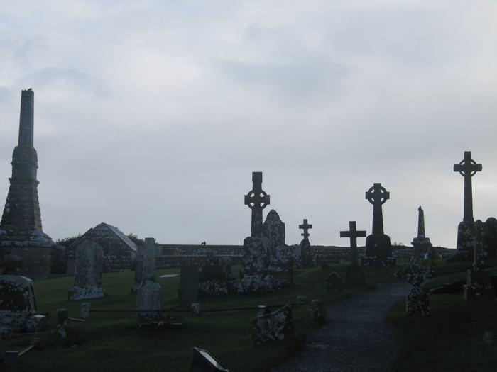 Visita rock of cashel y abad a hore mi ba l de blogs for Cementerio parque jardin del sol pilar