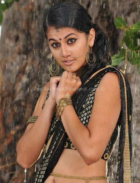 bollywood, tollywood, hot, Taapsee, hot, wet, navel, photos