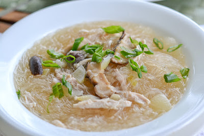 Chicken Sotanghon Soup(Filipino Style Chicken Bean Thread Noodle Soup)