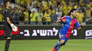 بالفيديو: مشاهدة كوبرى رائع من محمد صلاح للاعب توجين - Mohamed Salah Skils