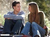 Eprham e Amy, personagens da série estadunidense Everwood - uma segunda chance