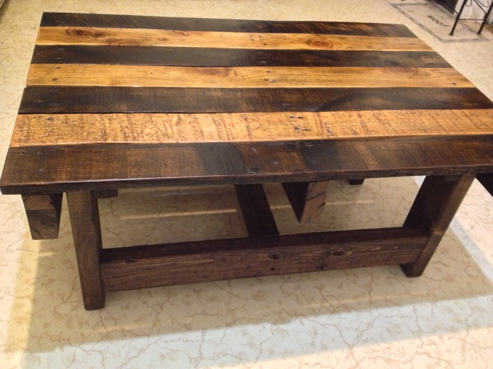 Woodwork reclaimed wood coffee table plans pdf plans for Wooden table design