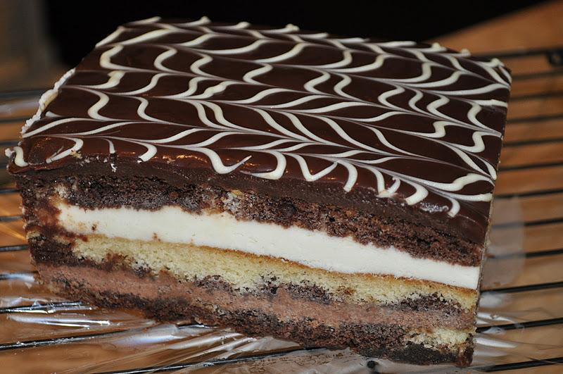 tuxedo mousse cake