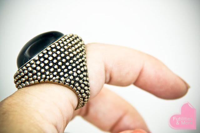 Jewelmint Midnight Soiree Ring, futilitiesandmore.blogspot.com, futilities and more, futilitiesandmore