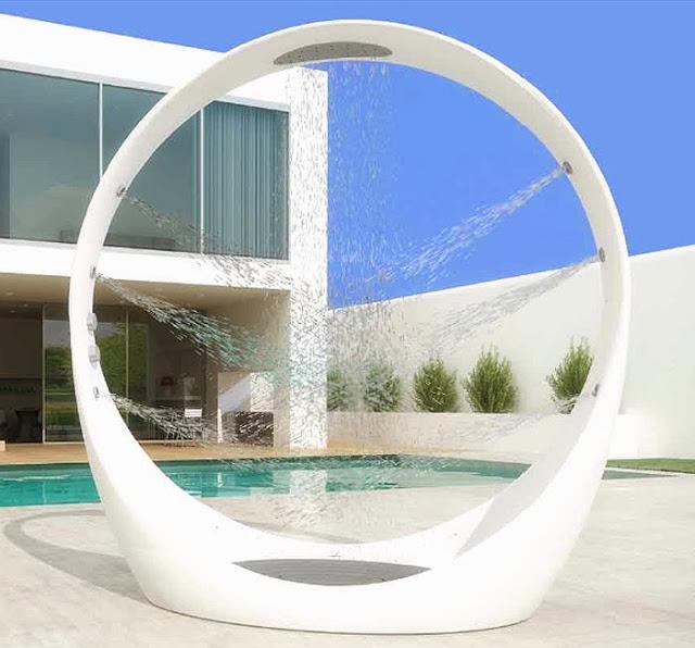 Decoracion de patios ducha exterior patios y jardines - Duchas exteriores para piscinas ...