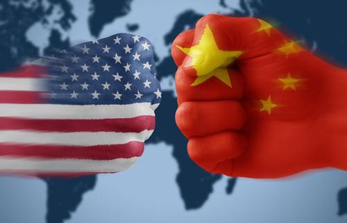 Το Πεκίνο άρχισε να ξεπουλά 3,65 τρισ. δολ. αμερικανικών ομολόγων!