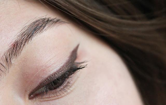 the balm göz makyajı