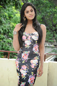 Karthika Nair latest photo shoot-thumbnail-5