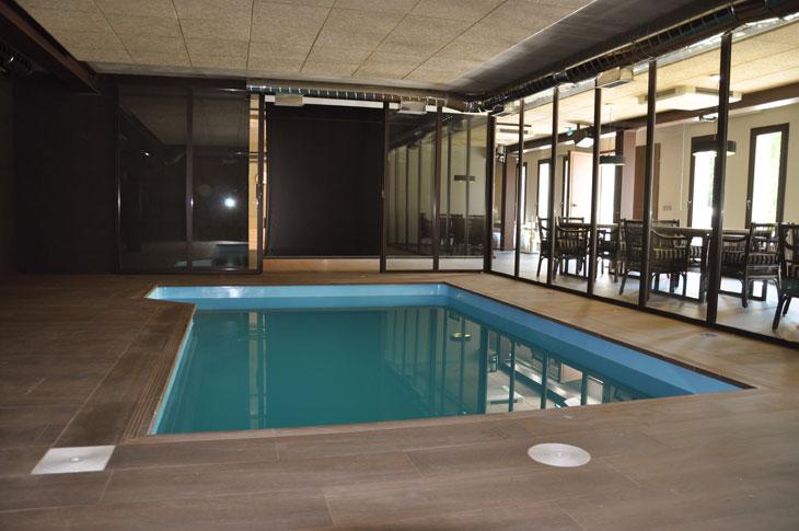 hocvolo arquitectura espacio para fiestas y piscina