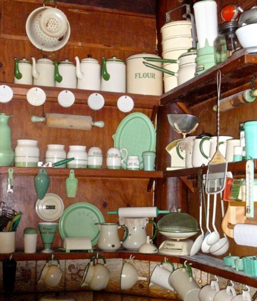 KittysVintageKitsch: A Look Around Sue's Vintage Kitchen