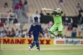 famous cricket sledging,Javed miandad,kiran more,wallpaper,images
