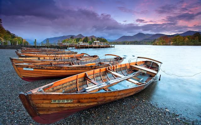 Imagenes de Botes de Madera en banco imagenes gratis
