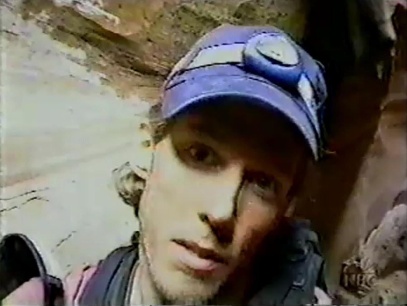 http://2.bp.blogspot.com/-rjeOJOWkz64/TalvEPqpdfI/AAAAAAAAABw/C73qzbuYjfk/s1600/Aaron+Ralston.jpg