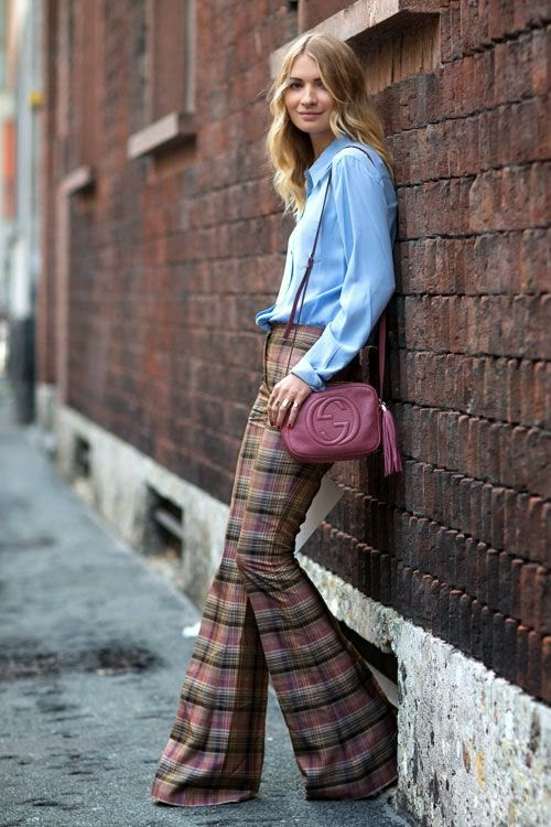 light blue shirt, gucci crossbody bag, plaid pants, pink tones, flare pants, streetstyle