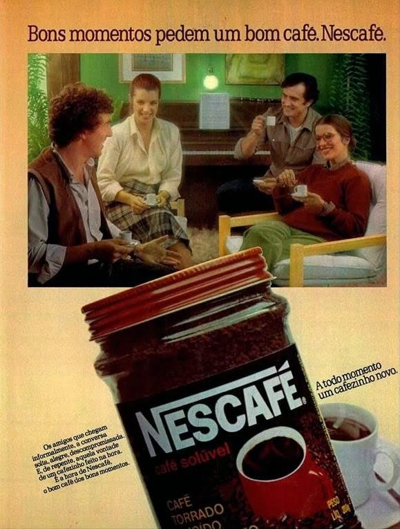 Propaganda do Nescafé que apresenta um encontro de amigos nos anos 80.