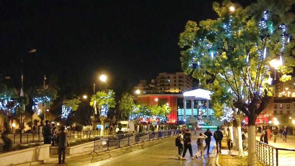 قسنطينة في الليل ساحة 1 نوفمبر باب الواد