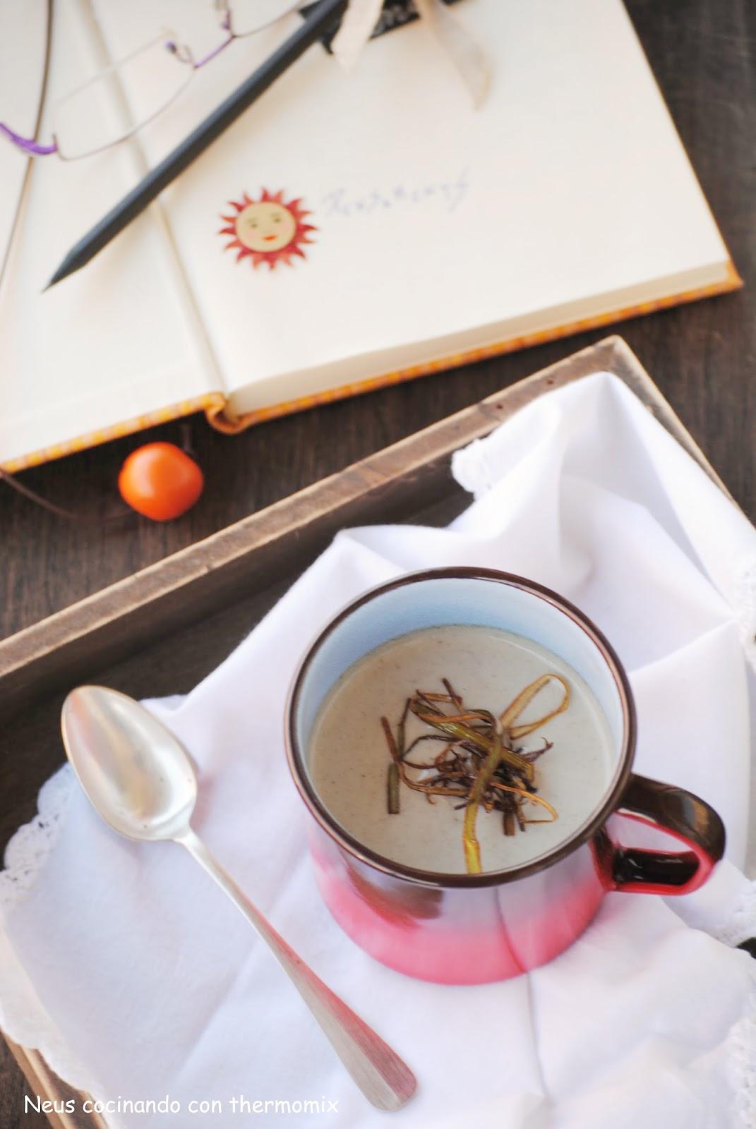 Crema de setas con crujiente de puerro-cocinando con neus