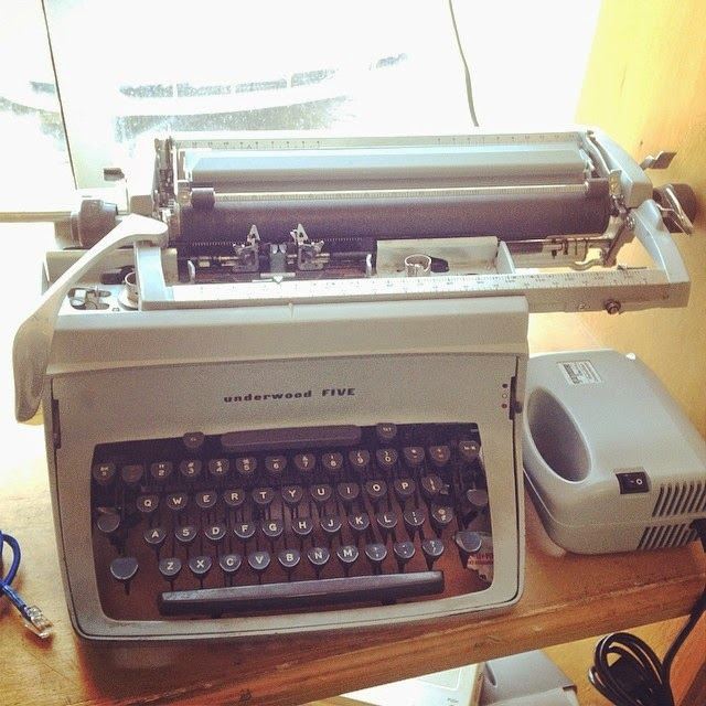 #thriftscorethursday Week 16 Features | Instagram user: brynalyn shows off this beautiful vintage typewriter