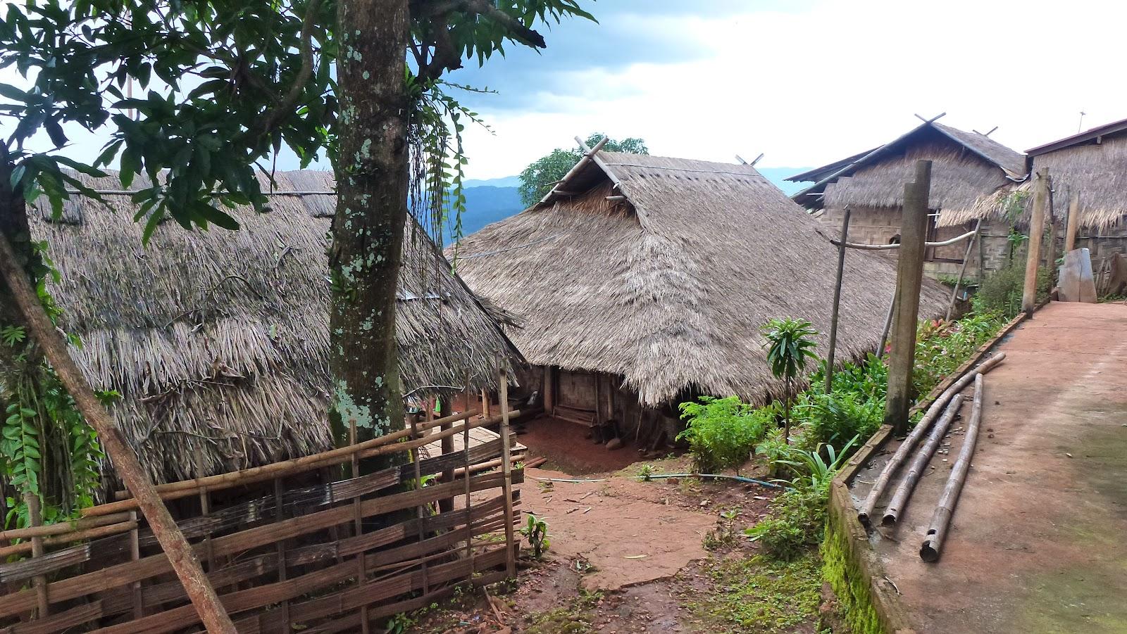 Exodeco d co exotique tha lande le pays du sourire for Maison traditionnelle laos