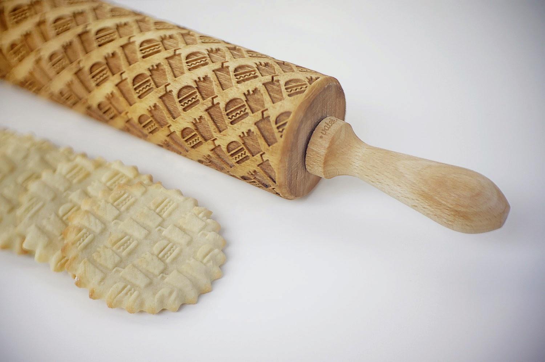 06-Zuzia-Kozerska-Rolling-Pin-for-Food-Stamp-Designs-www-designstack-co