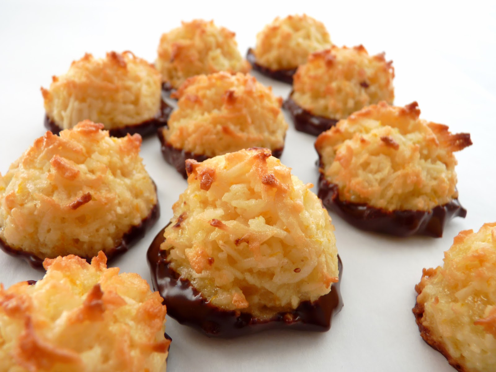 :pastry studio: Orange & Chocolate Coconut Macaroons