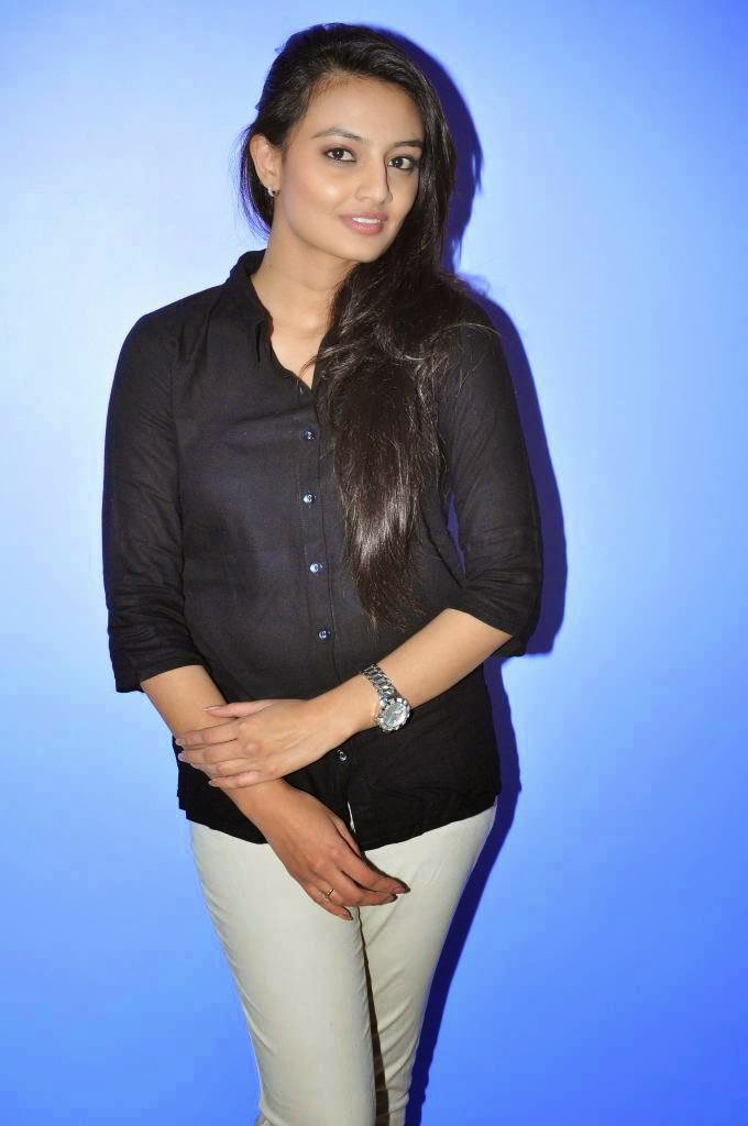 Actress Nikitha Narayan Latest Cute Hot Exclusive Black Top Dress Beautiful Spicy Photos Gallery At Ladies and Gentlemen Movie Preview Show