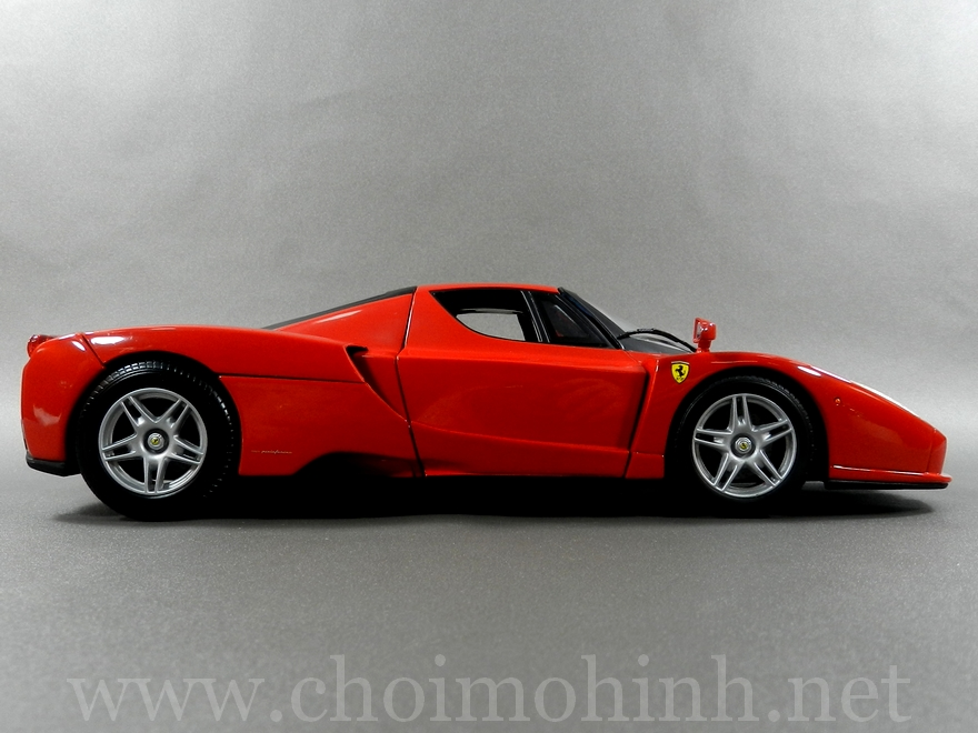 Ferrari Enzo 1:18 Hot Wheels side