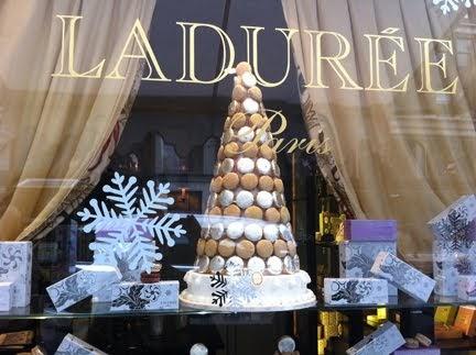 New york for insiders enduring the line at laduree for Laduree christmas