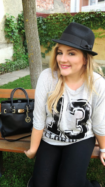"Fashion – Outfit of the Day ""Video"""