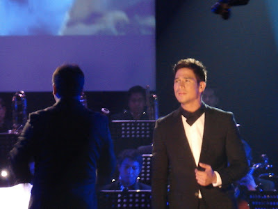 Piolo Pascual sings Kung Kailangan Mo Ako with the ABS-CBN Philharmonic Orchestra (Teleserye theme song of Little Champ)