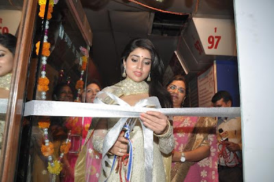 Shriya Saran inaugurates the Inner Wheel Club