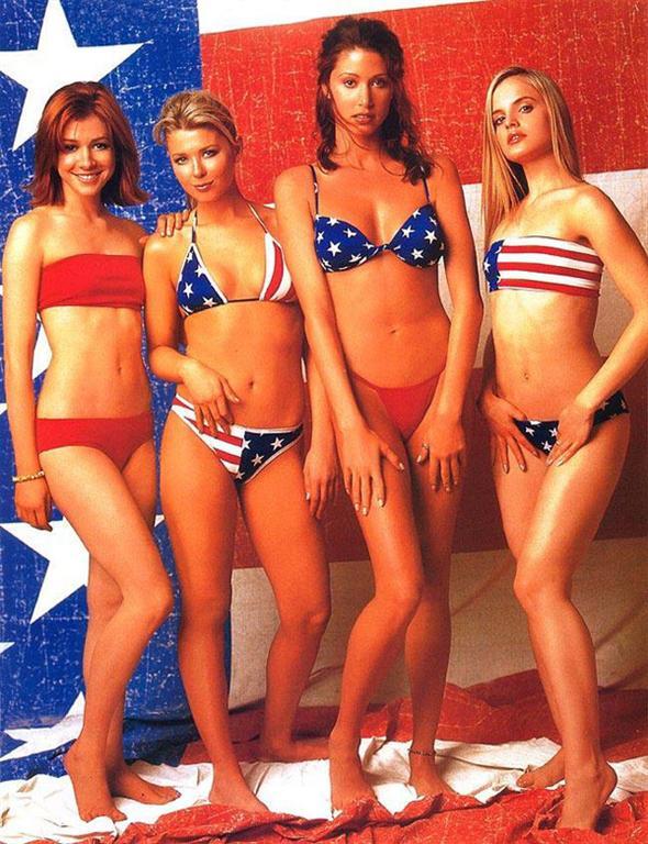 It's a Bikini: America... Anna Kournikova Twins