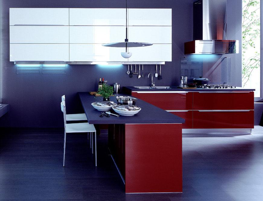 Domus arredi una cucina rossa grande carattere - Cucina laccata rossa ...