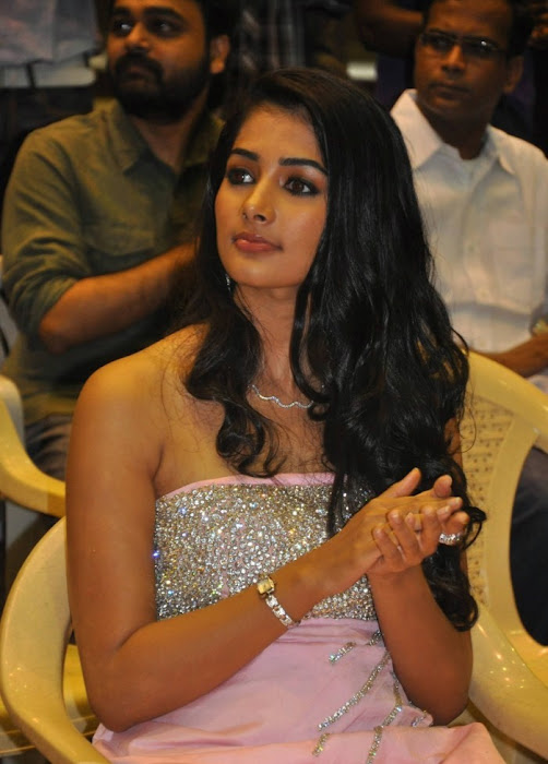 mugamoodi pooja hegde at movie launch photo gallery