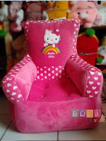 Sofa kotik list ceria Boneka Hello Kitty