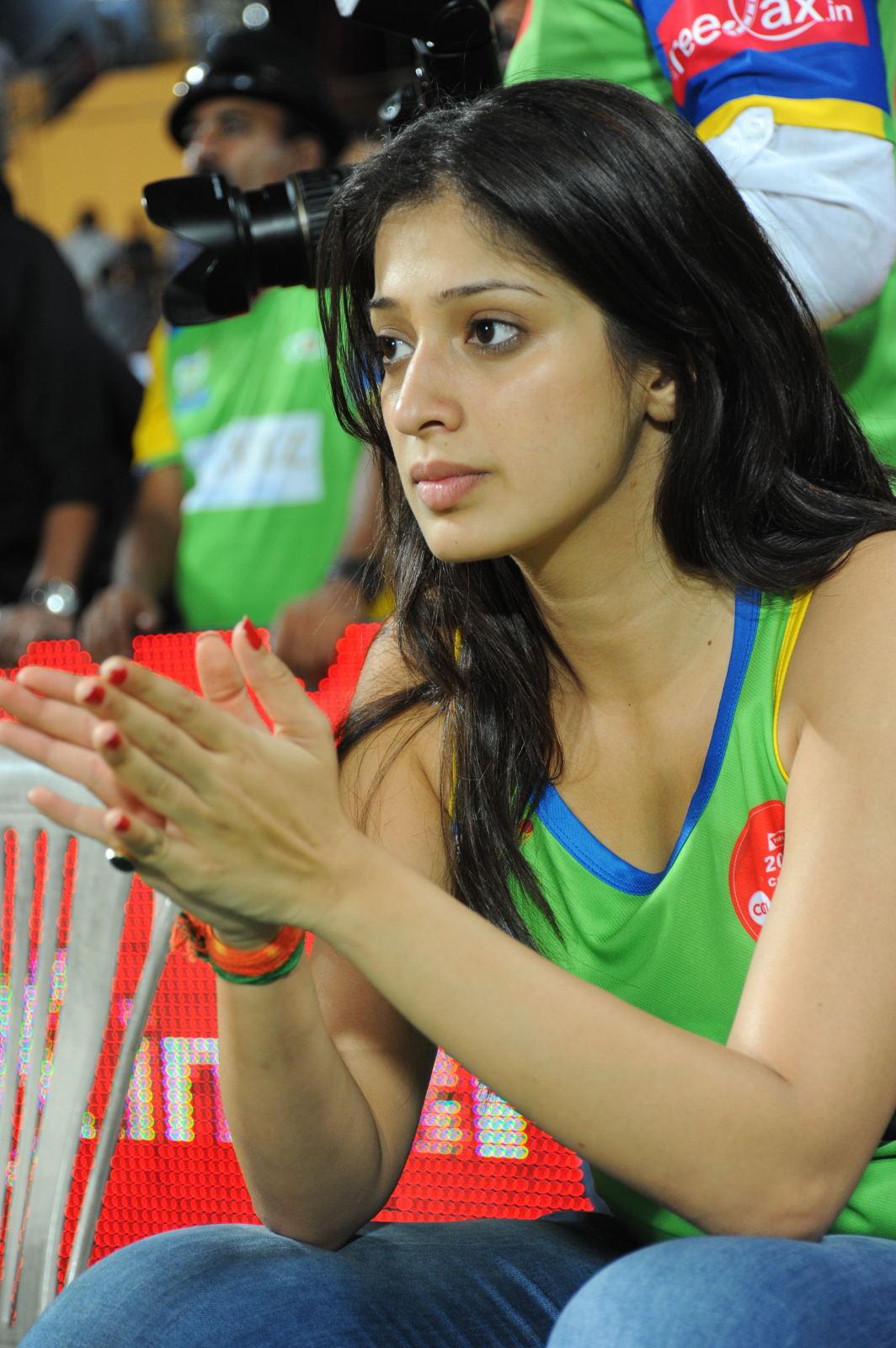 Hot Photos At CCL 2 Matches. South Actress Cheering at CCl 2 matches ...