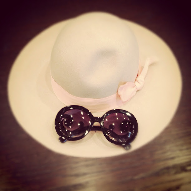 Free People hatattack hat, tobi prada inspired darla sunglasses, desginer inspired sunglasses, peach hat
