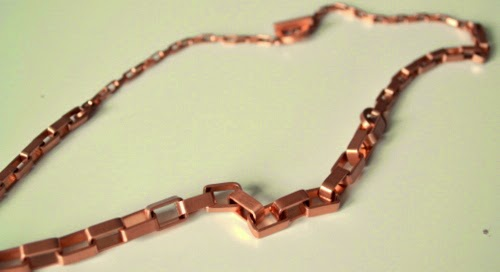 and-other-stories-rose-gold-necklace