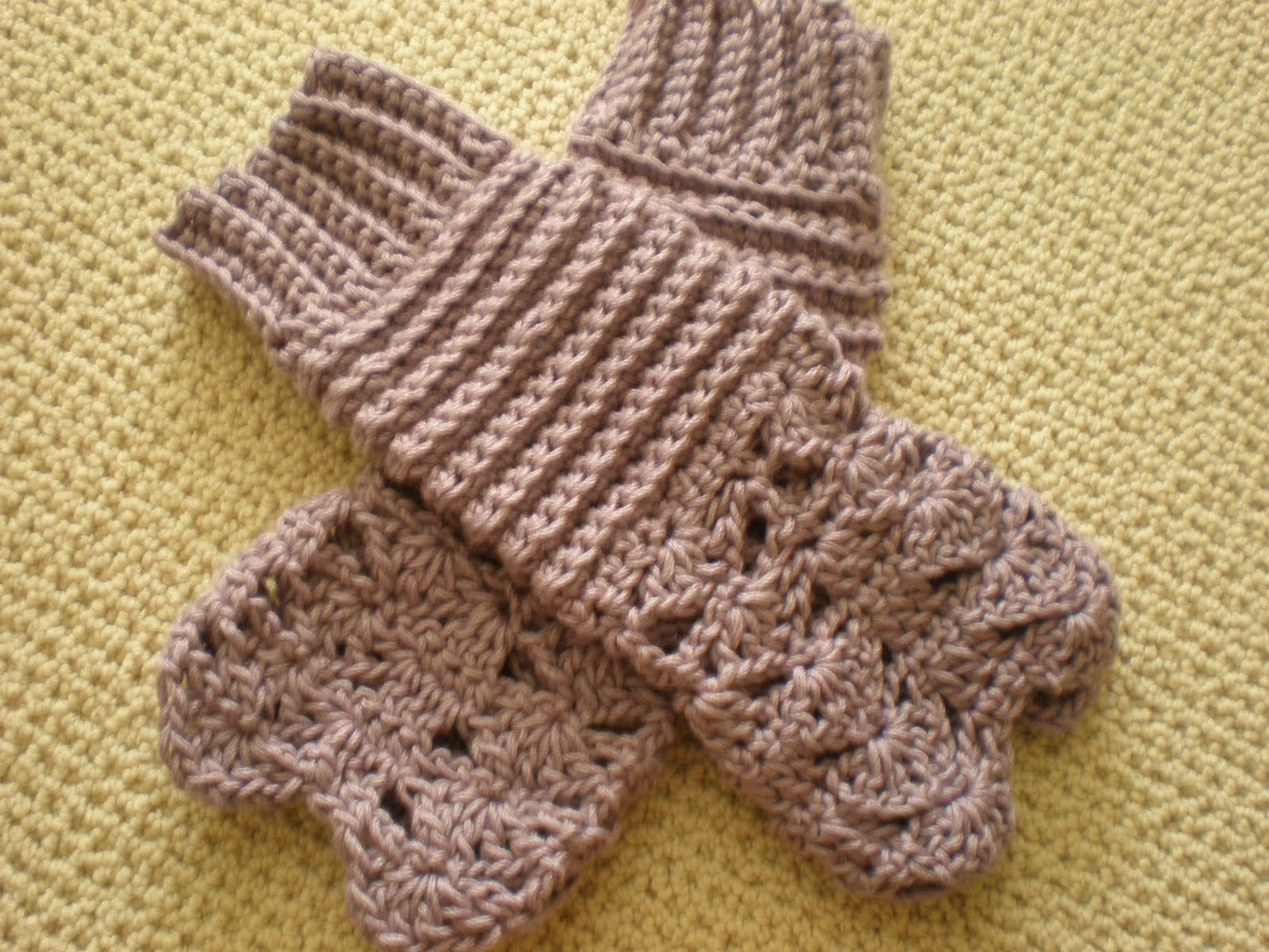 Ribbed Shell Mitts