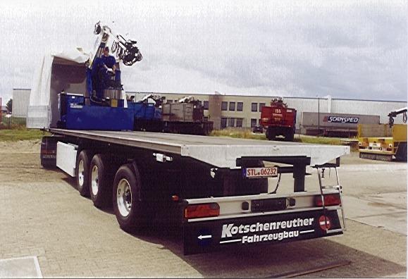 Foto Gambar Transportasi Truk Peti Kemas 5