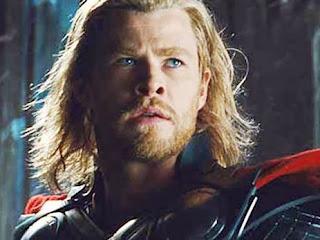 """Cena do filme """"Thor: O Mundo Sombrio"""""""