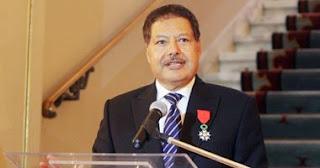 فرنسا تمنح الدكتور أحمد زويل أرفع وسام للجمهورية
